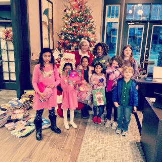 High 5 Heroes had a great time hosting our friends from the @bgcrc for a little cookie decorating, hot cocoa, and merrymaking! 🎄🎄🎄#merrychristmas2019 #happyholidays